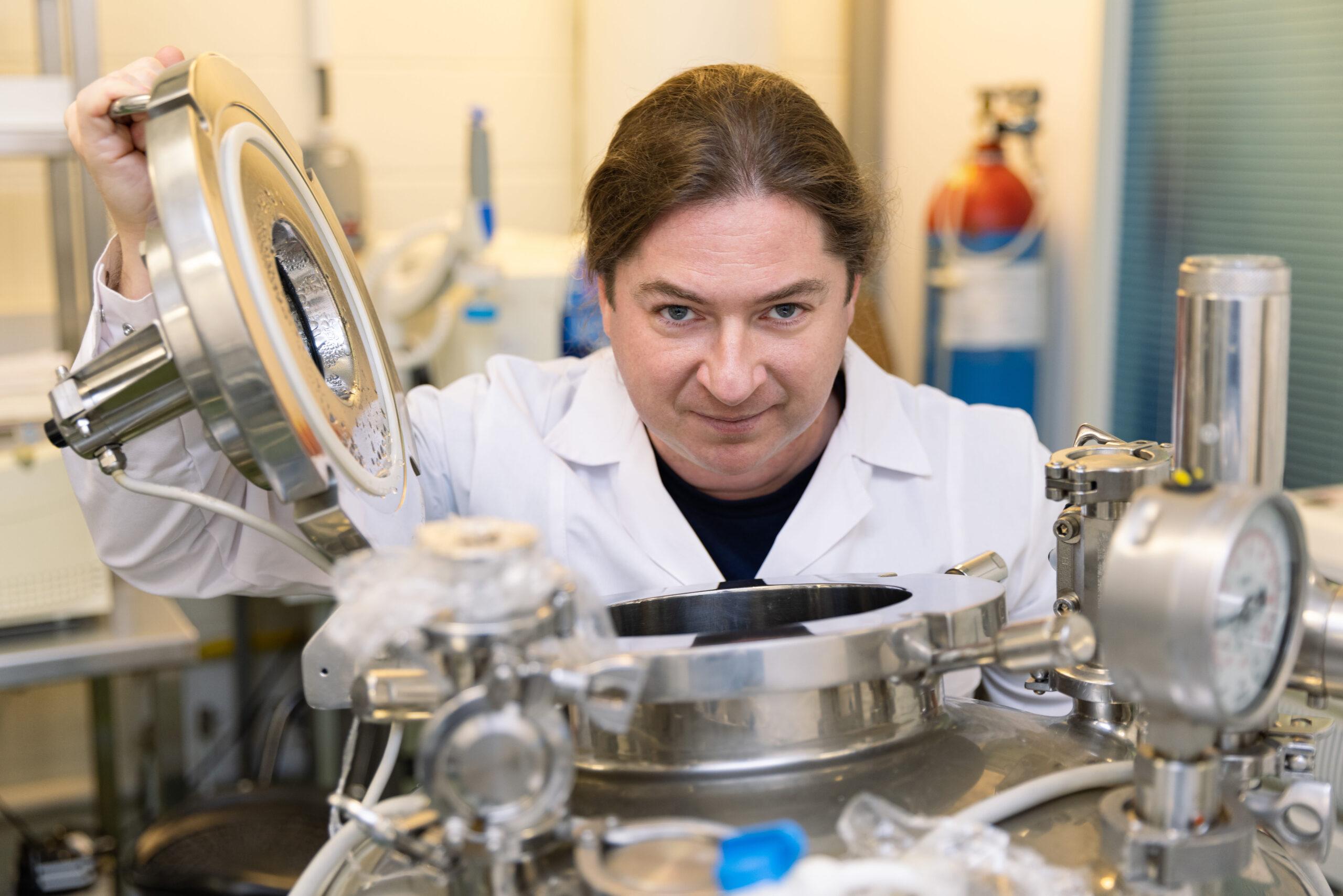 """""""Crouching T1, Hidden DE3"""" – PC to warn ISBioTech of bacteriophage dangers"""